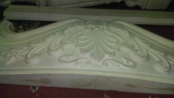 Semineu de perete clasic sculptat marmura Ludovic 2